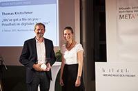 Preisträger Thomas Kretschmer mit Laudatorin Katharina Scheidemantel - Zur Detailansicht