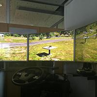 Wer eine Drohne steuern möchte, sollte vorher am Flugsimulator üben. (Fotos: Copter Communication Camp 2015)