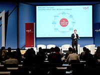 Vom Erfolg des Fernsehens profitieren neben den Programmanbieter auch andere Akteure. Fotos: Medientage.de