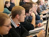 Die HdM stellt ihr Studienangebot Interessierten auf dem Masterinfotag vor