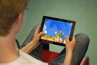 Die Besucher hatten die Möglichkeit, Spiele selbst auszuprobieren, Foto: Kim Kunze