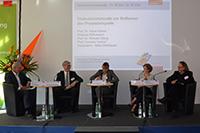 Prof. Dr. Klaus Meisel (Münchner Volkshochschule),  Andreas Mittrowann (ekz) , Heike Mühlbauer (Moderation), Prof. Cornelia Vonhof (HdM) und Prof Dr. Richard Stang (HdM, von links)