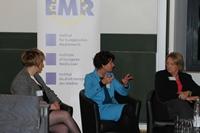 Von links nach rechts: Yvonne Hofstetter, Prof. Dr. Petra Grimm und Sabine Leutheusser-Schnarrenberger bei der Podiumsdiskussion.
