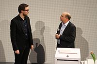 Daniel Schmucker (links) mit Prof. Dr. Bernd Eberhardt