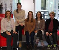 """Das Team rund um """"Youth & Media"""" von links: Prof. Marie Elisabeth Müller, Polina Misheva, Julia Hauser, Julia Knorr und Herman Ringstad. Foto: Joelle Mittnacht"""