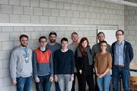Die Projektgruppe bestand aus Bachelor- und Masterstudenten der Vertiefungsrichtung Digital Publishing an der HdM. Rechts: Prof. Dr.-Ing. Marko Hedler.