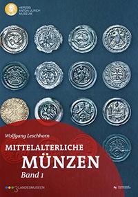 """Die Publikation des Herzog Anton Ulrich-Museums """"Mittelalterliche Münzen"""" erschien in zwei Bänden. Fotos: Christian Niklas."""