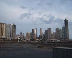 Blick auf die Skyline von Panama. Foto: Oliver Brunner  / pixelio.de