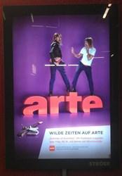 Ein Plakat des ARTE Summer of Scandals mit Iggy Pop in einer Stuttgarter U-Bahn-Station. © ARTE