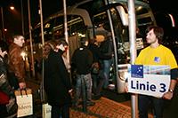 """Bei der """"Nacht der Unternehmen"""" lernen Studenten mögliche Arbeitgeber kennen (Foto: Veranstalter)"""