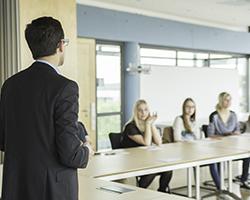 Die HdM bietet Schülern ein Schnupperstudium an