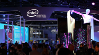 Der Stand von INTEL bei der CES, Foto: Maurizio Pesce from Milan, Italia (Intel CES 2016 booth) [CC BY 2.0 (http://creativecommons.org/licenses/by/2.0)], via Wikimedia Commons