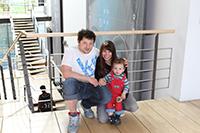 Die HdM-Studenten Gabriel und Darja mit Sohn Levi