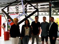 Das Projektteam mit dem Rektor Alexander W. Roos (rechts, Fotos: HdM Stuttgart / Jordan)
