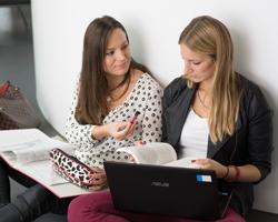 Studenten können durch Nutzung von Rabatten viel Geld sparen.