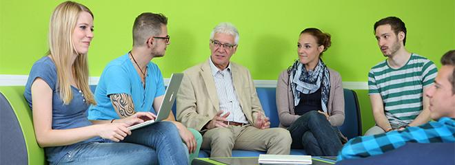 Prof. Bernhard Hütter (Mitte) verabschiedet sich in den Ruhestand