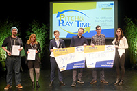 """Die Gewinner-Teams des Wettbewerbs """"HyperSky"""" und """"TECHART"""". Foto: Petra Rösch"""