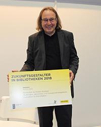 Ausgezeichnet: Prof. Dr. Richard Stang (Foto: De Gruyter)
