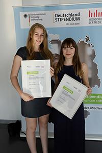 Lara Philipp (links) und Joanna Rietl werden ebenfalls unterstützt (Fotos: HdM Stuttgart / Keller)