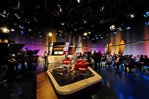 Im SWR-Studio Stuttgart geben die Nachwuchsmoderatoren des  Instituts für Moderation ihr TV-Debut (Fotos: imo / Tom Oettle)