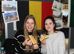 Am Stand der belgischen Studierenden gab es belgische Waffeln nach Originalrezept, Foto: Olivia Mayer