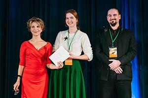 Mareika Greiss (Mitte) freut sich über den Preis (Foto: Frank von zur Gathen)