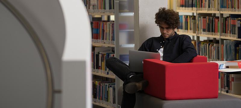 """Der Studiengang bietet künftig zwei Schwerpunkte: """"Bibliotheks-, Kultur- und Bildungsmanagement"""" sowie """"Daten- und Informationsmanagement"""""""