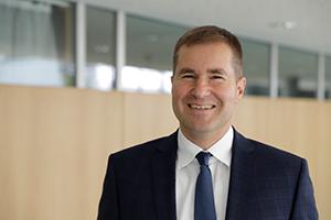 Prof. Dr. Nicolai Schädel ist Dekan des Studiengangs Wirtschaftsingenieurwesen Medien