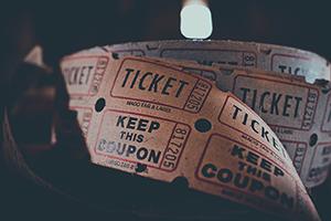 Die Ticketpreise sanken 2018 um einen Prozent, Foto: Unsplash