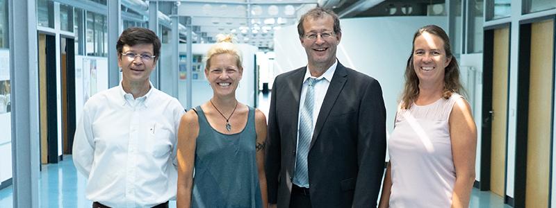 Prof. Dr. Andreas Koch, Prof. Tanya Kane-Parry, Prof. Dr. Alexander W. Roos und Martina Schumacher (von links), Foto: Jan Böttinger