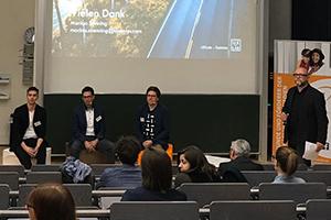 Die Referenten mit Prof. Dr. Jürgen Scheible (ganz rechts im Bild) bei der Abschlussdiskussion, Foto: Emily Dier