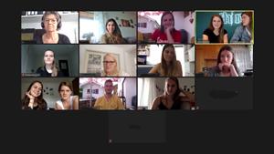 """Die Exkursionsgruppe bei ihrem virtuellen Besuch der Agentur """"thjnk"""" in München, Foto: Screenshot via Zoom"""