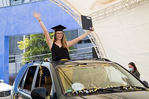 Die Absolventinnen und Absolventen freuten sich über ihren Abschluss