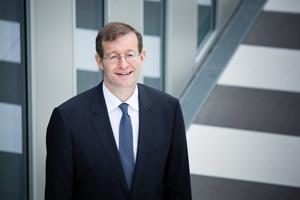 Prof. Dr. Alexander W. Roos