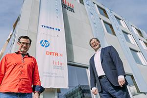 Prof. Dr. Martin Dreher und Prof. Dr. Alexander W. Roos (rechts)