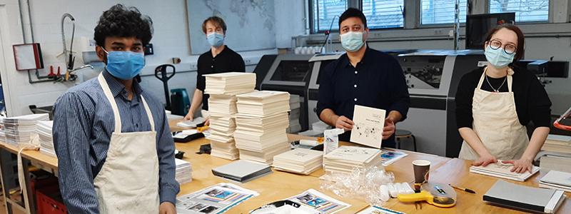 Die 500 Exemplare wurden aufwändig veredelt (Foto: Projektteam)