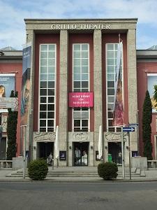 Der Ort des Geschehens: das Grillo-Theater in Essen (Foto: Oliver Zöllner)