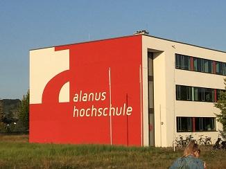 Die Alanus-Hochschule für Kunst und Gesellschaft in Alfter bei Bonn liegt durchaus idyllisch.