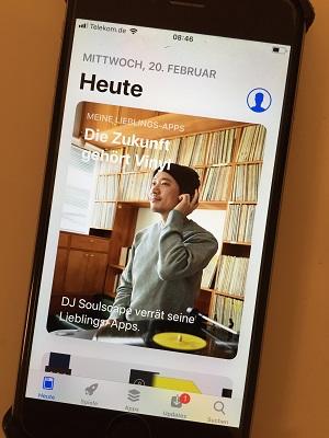 Ein Treppenwitz der Mediengeschichte: Apps, die verkünden, dass die Zukunft dem Vinyl gehört. So hip! (Foto: Oliver Zöllner)